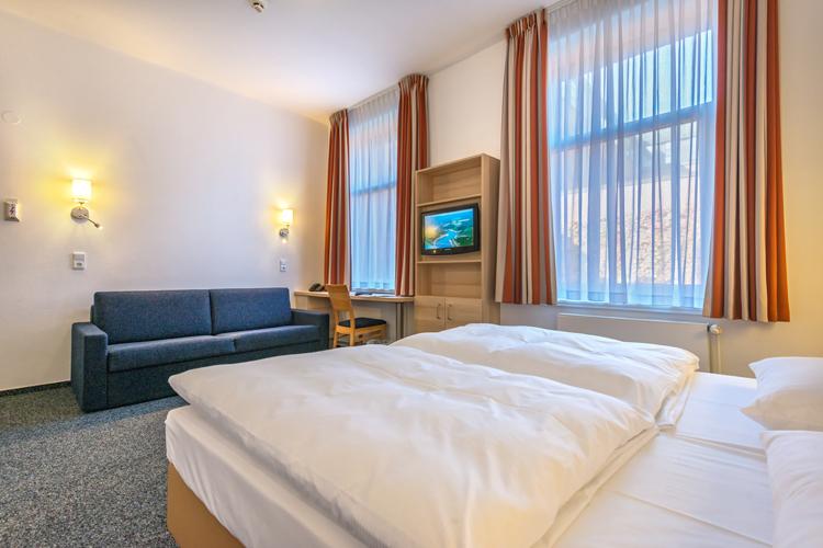 96 zimmer mit allem komfort auch barrierefreie zimmer berliner hof kiel. Black Bedroom Furniture Sets. Home Design Ideas