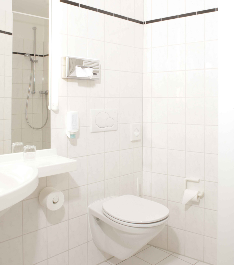 bernachtung im preiswerten standardzimmer berliner hof kiel. Black Bedroom Furniture Sets. Home Design Ideas